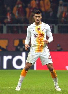 Tauscht das Galatasaray- gegen das VfB-Trikot: Ozan Kabak. Foto: Tolga Adanali/ZUMA/dpa