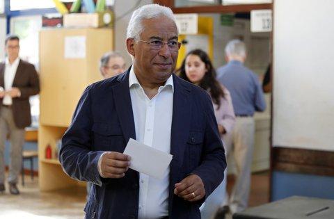 Antonio Costa, Premierminister von Portugal, dürfte mit dem Ergebnis mehr als zufrieden sein. Foto:Armando Franca, AP/dpa