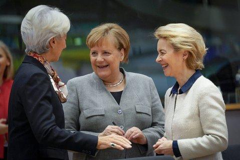 EZB-PräsidentinChristine Lagarde, Kanzlerin Angela Merkel und EU-Kommissionschefin Ursula von der Leyen. Foto:Pool/Daina Le Lardic/BELGA/dpa