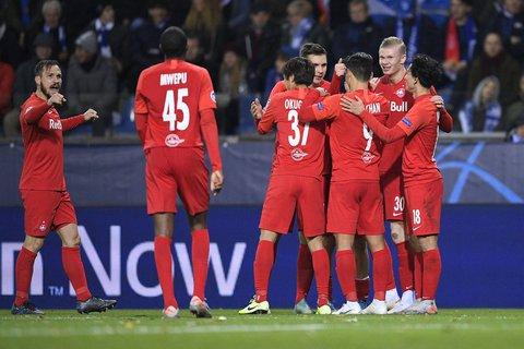 Werden sich die Salzburger auch so gegen Eintracht Frankfurt über ein Torerfolg freuen können? Foto:Yorick Jansens/Belga/dpa/Archiv