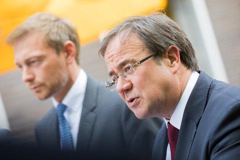 Christian Lindner (l.) und Armin Laschet bei einer gemeinsamen Pressekonferenz. Archivbild:Rolf Vennenbernd/dpa