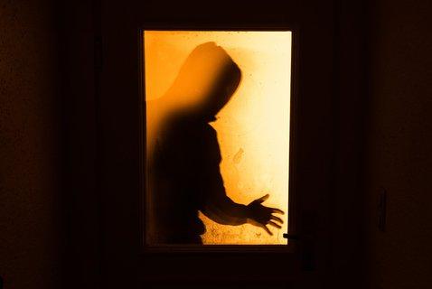 Auch ein Bewegungsmelder vor der Eingangstür hält Diebe eher ab. Foto:Nicolas Armer/dpa